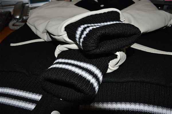 RG BLACK+WHITE